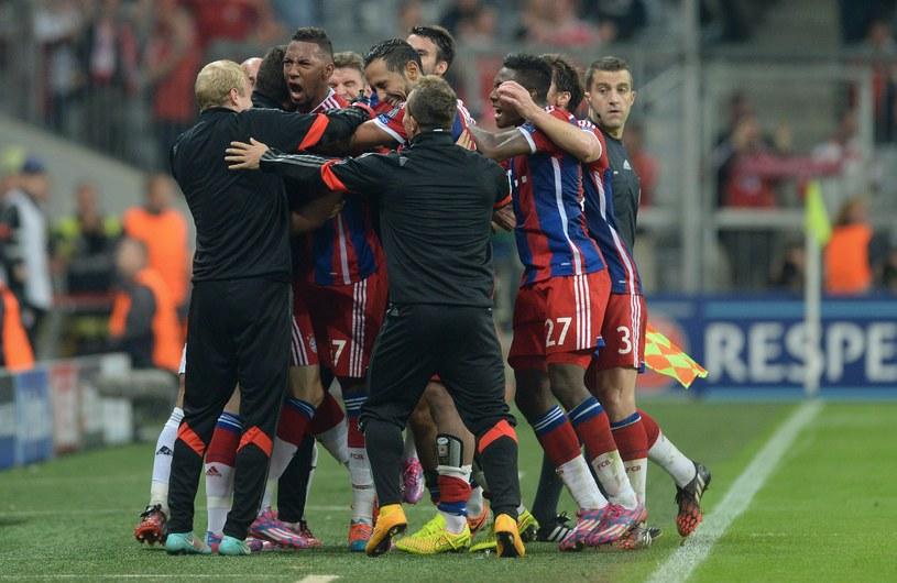 Piłkarze Bayernu cieszą się po strzeleniu gola /AFP