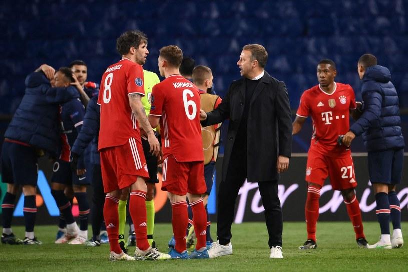 Piłkarze Bayernu i trener Hasi Flick /AFP