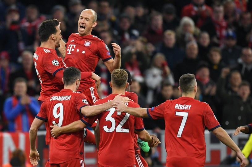 Piłkarze Bayernu Monachium cieszą się po zdobyciu bramki /AFP