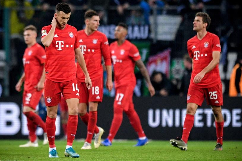 Piłkarze Bayernu Monachium po porażce z Borussią Moenchengladbach /PAP/EPA