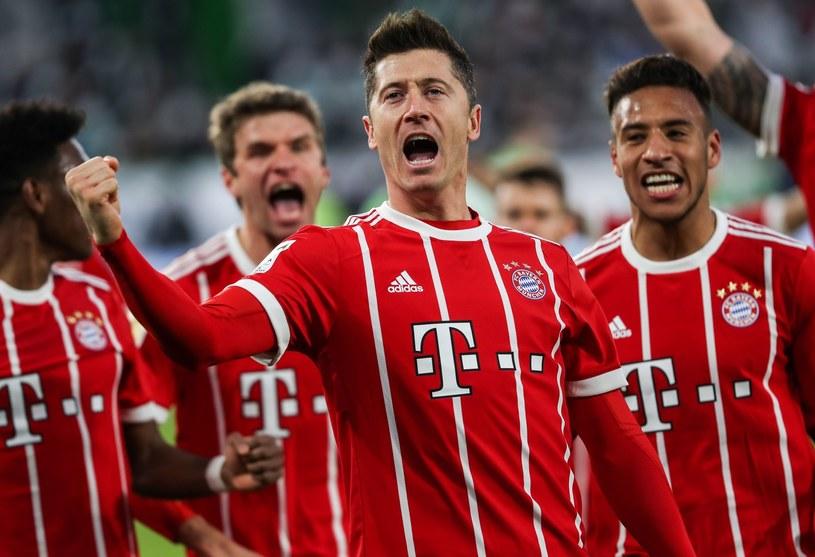 Piłkarze Bayernu Monachium. W środku Robert Lewandowski /East News