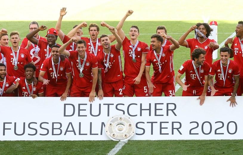 Piłkarze Bayernu świętują mistrzostwo Niemiec /AFP