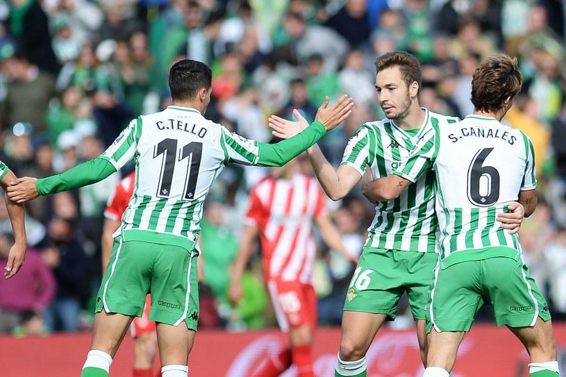 Piłkarze Betisu Sewilla wznowią rozgrywki ligowe derbową potyczką z Sevilla FC /AFP