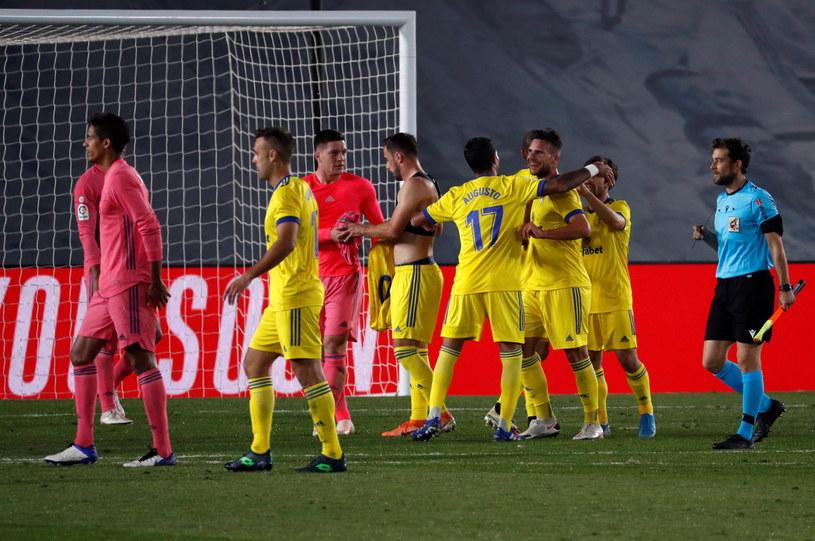 Piłkarze Cadiz cieszą się z wygranej nad Realem //J. J. GUILLEN  /PAP/EPA