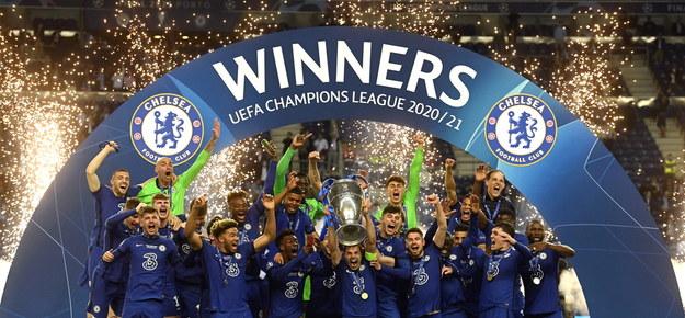Piłkarze Chelsea Londyn świętują po wygraniu finału Ligi Mistrzów /Pierre-Philippe Marcou / POOL /PAP/EPA