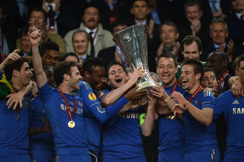 Piłkarze Chelsea z trofeum Ligi Europejskiej /AFP