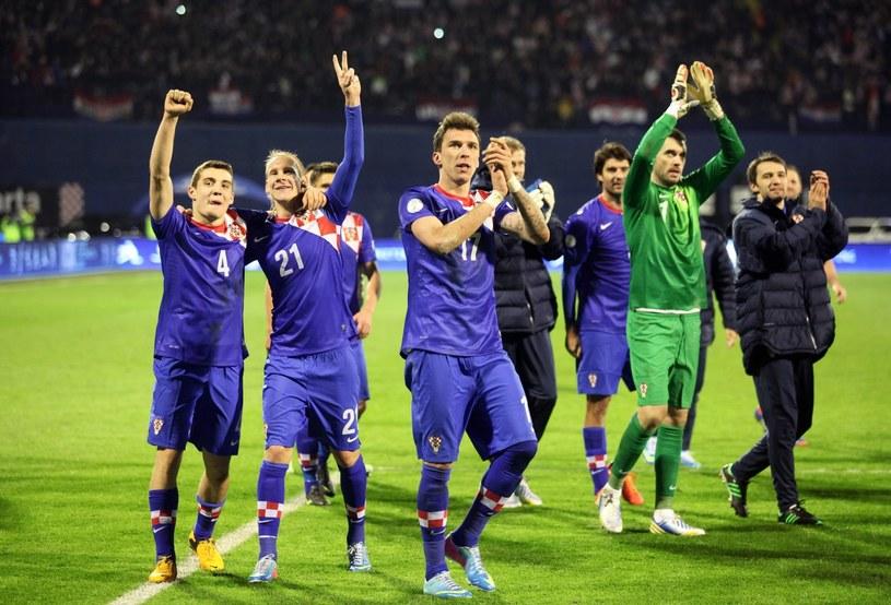 Piłkarze Chorwacji świętują zwycięstwo nad Serbią /PAP/EPA