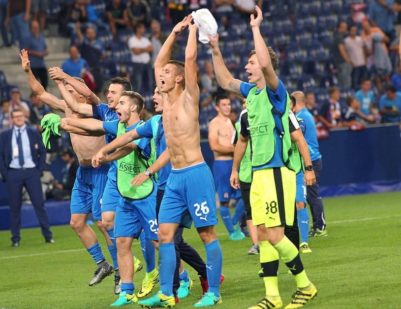 Piłkarze Dinama Zagrzeb przez sześć lat cieszyli się z miana niepokonanych na swoim stadionie /AFP