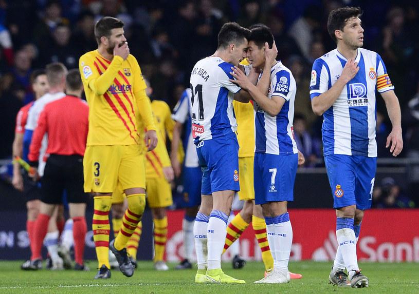 Piłkarze Espanyolu (na pierwszym planie) /AFP