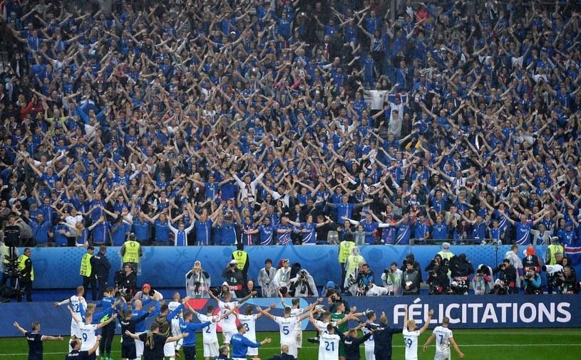 Piłkarze Islandii sprawili wielką radość swoim fanom podczas Euro 2016 /PAP/EPA