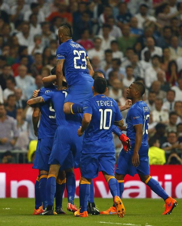 Piłkarze Juventusu cieszą się z wyrównującego gola /JUANJO MARTIN /PAP/EPA