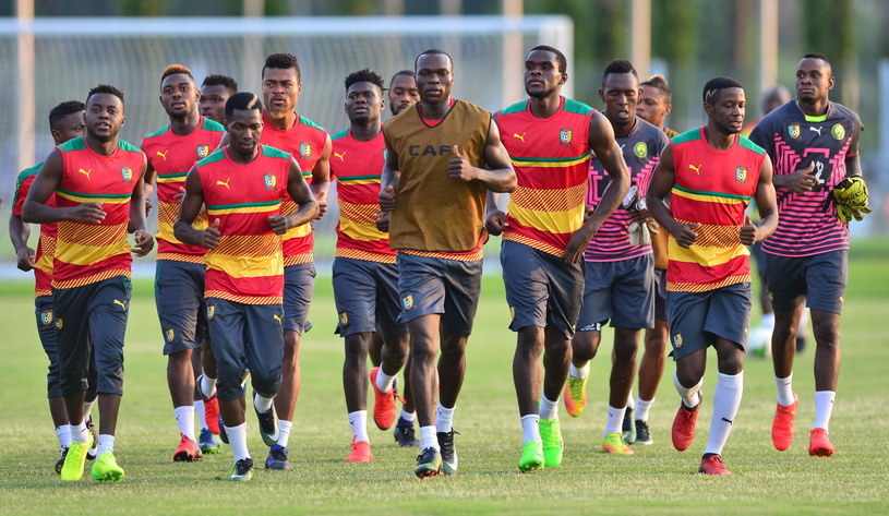 Piłkarze Kamerunu na treningu w Labreville /SAMUEL SHIVAMBU /PAP/EPA