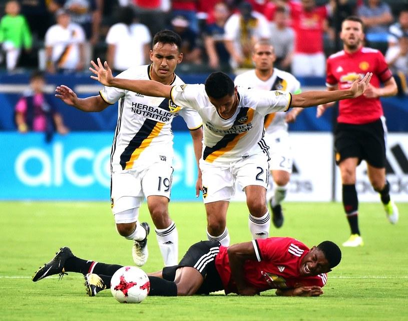 Piłkarze LA Galaxy (na biało) w lipcowym towarzyskim meczu z Manchesterem United /AFP