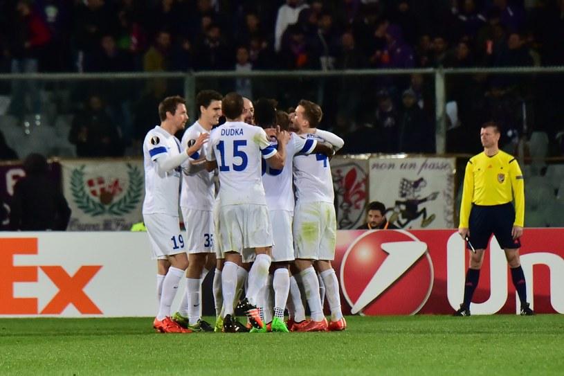 Piłkarze Lecha Poznań cieszą się z gola zdobytego w meczu z Fiorentiną /AFP