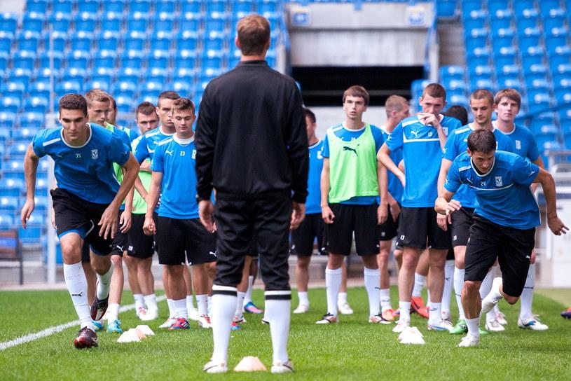Piłkarze Lecha Poznań przed rewanżowym meczem z AIK Sztokholm /Jakub Kaczmarczyk /PAP