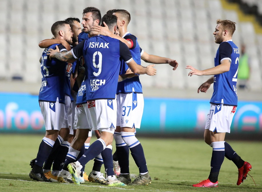 Piłkarze Lecha Poznań w meczu eliminacji Ligi Europy z Apollonem Limassol /SAVVIDES PRESS /PAP/EPA