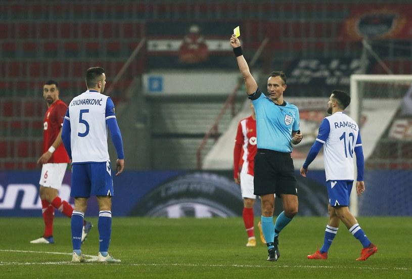 Piłkarze Lecha przegrali ze Standardem /PAP/EPA