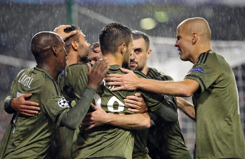 Piłkarze Legii cieszą się z gola strzelonego w meczu z Dundalk /PAP/EPA