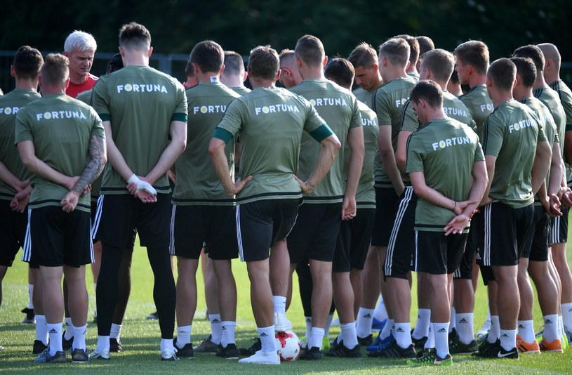 Piłkarze Legii Warszawa i trener Jacek Magiera /Bartłomiej Zborowski /PAP
