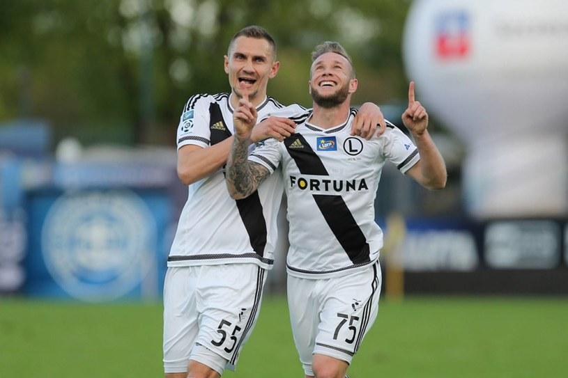 Piłkarze Legii Warszawa - Thibault Moulin (z prawej) i Artur Jędrzejczyk /Jakub Piasecki /Newspix