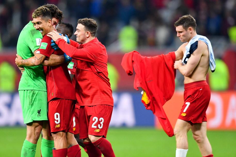 Piłkarze Liverpoolu po wygranym spotkaniu w półfinale klubowych MŚ /Noushad Thekkayil /PAP/EPA