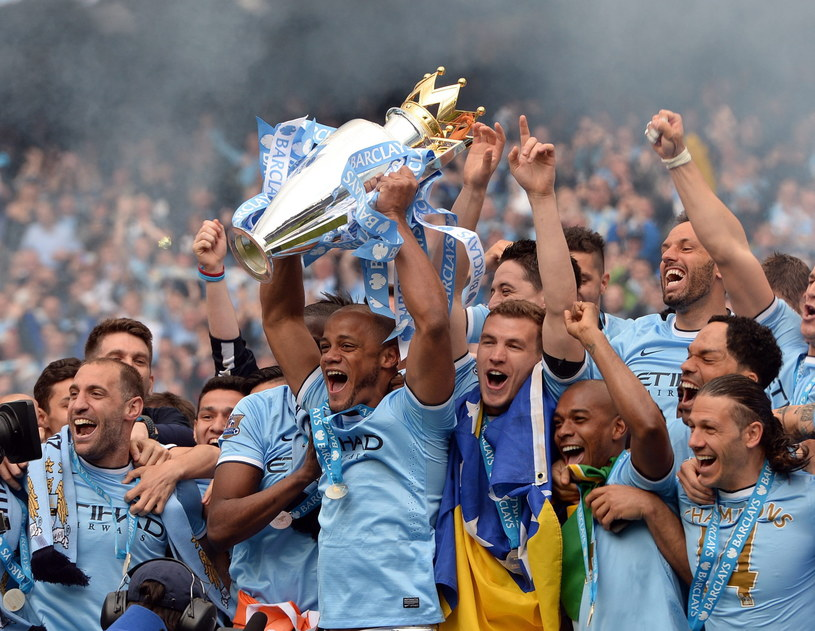 Piłkarze Manchesteru City świętują mistrzostwo Anglii /PAP/EPA