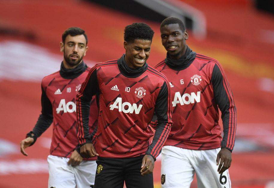 Piłkarze Manchesteru United. Od lewej: Bruno Fernandes, Marcus Rashford i Paul Pogba /Peter Powell/NMC/Pool /PAP/EPA