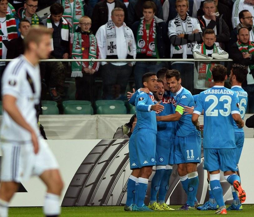 Piłkarze Napoli cieszą się po golu strzelonym Legii w Lidze Europejskiej /AFP