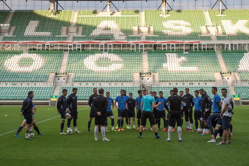 Piłkarze NK Celje podczas treningu na stadionie we Wrocławiu /Maciej Kulczyński /PAP
