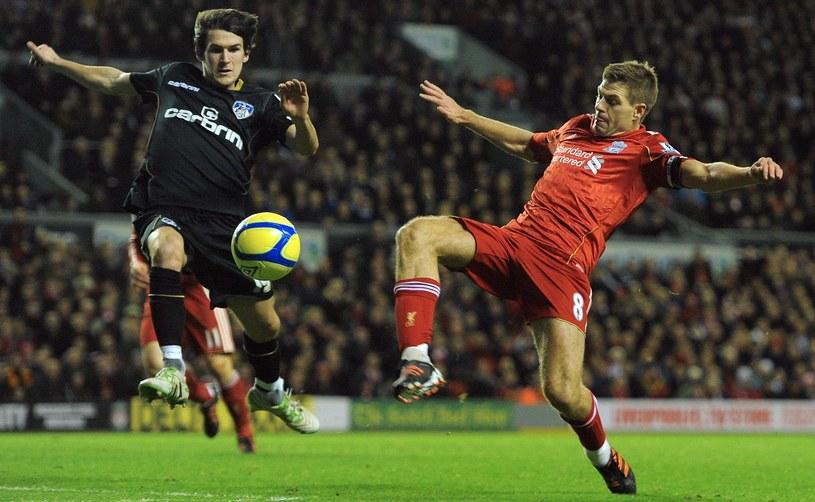 Piłkarze  Oldham grali z Liverpoolem w Pucharze Anglii także rok temu. /AFP