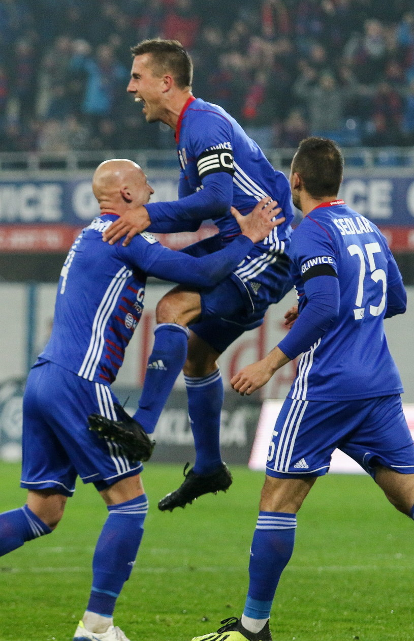 Piłkarze Piasta mają powody do zadowolenia /Marek Zimny /PAP