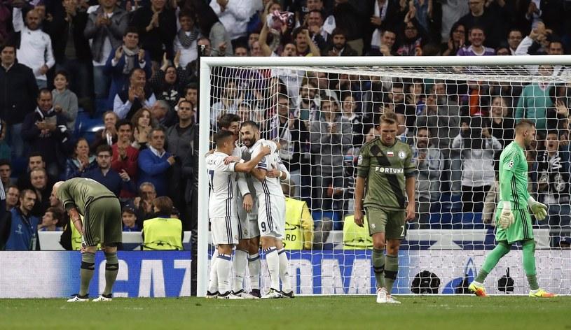 Piłkarze po jednej z bramek dla Realu /PAP/EPA