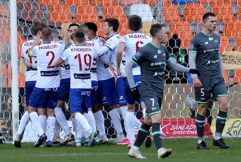 Piłkarze Podbeskidzia w końcówce mogli się cieszyć z wyrównania /PAP/Andrzej Grygiel    /PAP