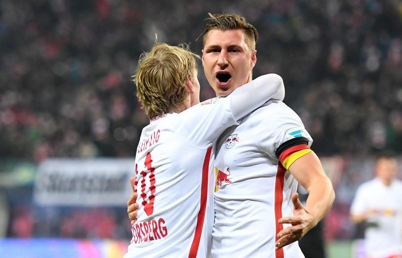 Piłkarze RB Lipsk zrehabilitowali się i pokonali Herthę Berlin. Triumfuje Willi Orban /Fot. HENDRIK SCHMIDT /PAP