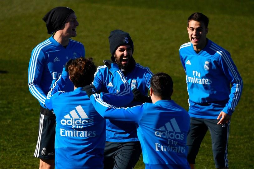 Piłkarze Realu są przed meczem w dobrych nastrojach. Po spotkaniu będzie tak samo? /AFP