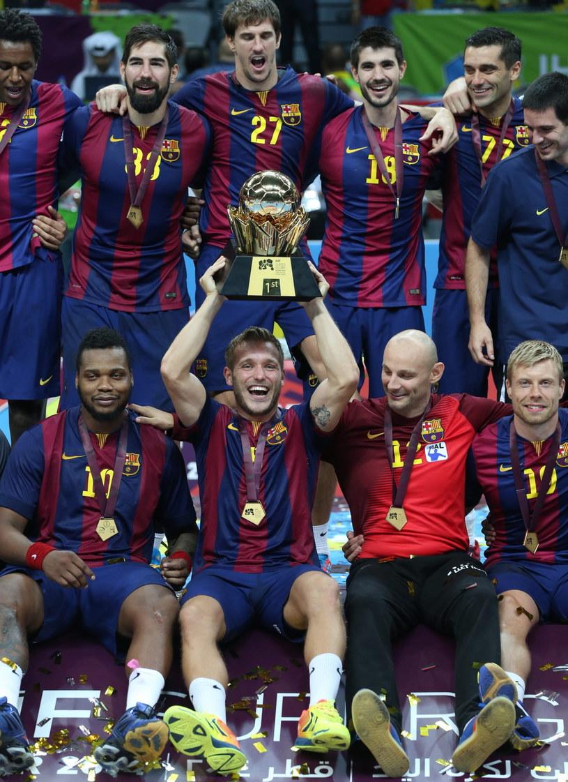 Piłkarze ręczni Barcelony triumfują /PAP/EPA