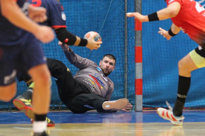 Piłkarze ręczni tym razem muszą ustąpić miejsca saperom... /Krzysztof Cichomski /Newspix