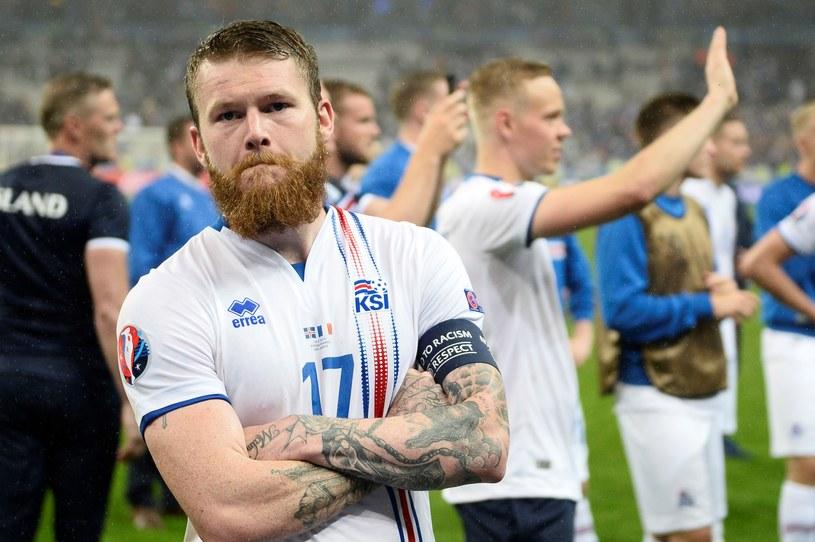 Piłkarze reprezentacji Islandii to prawdziwi wojownicy - tanio skóry nie sprzedadzą /AFP