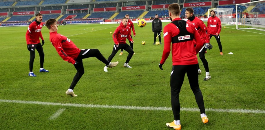 Piłkarze reprezentacji Polski na treningu /Andrzej  Grygiel /PAP