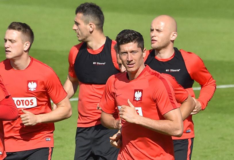 Piłkarze reprezentacji Polski podczas treningu we francuskim La Baule /AFP