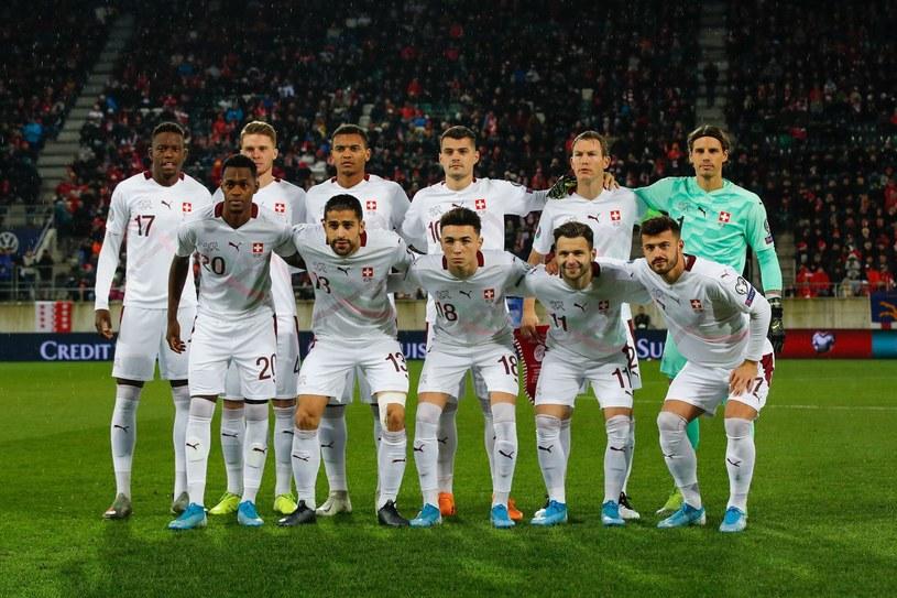 Piłkarze reprezentacji Szwajcarii mocno zapunktowali w ojczyźnie /AFP