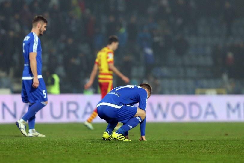 Piłkarze Ruchu Chorzów nie mają tęgich min. Są w strefie spadkowej /Fot. Jan Kowalski /Agencja Gazeta