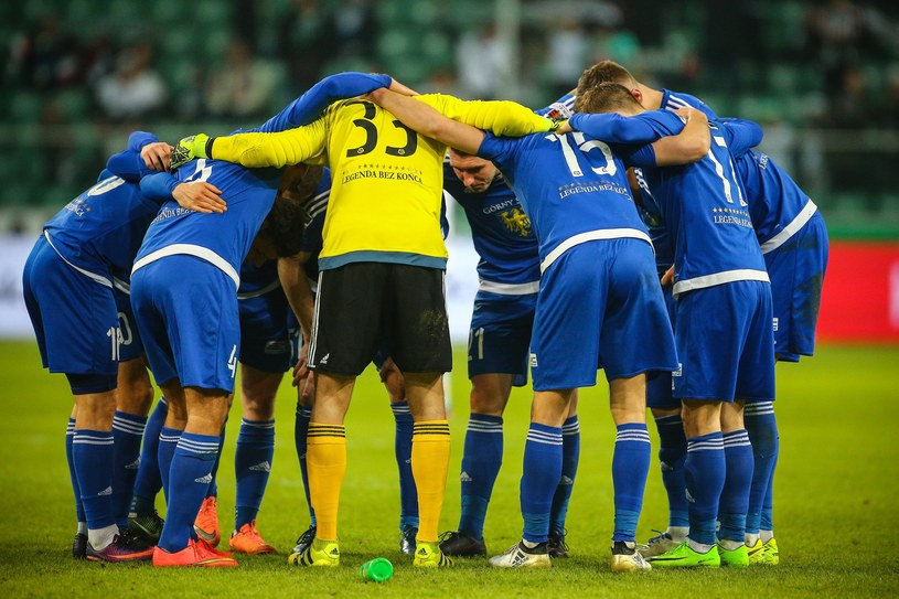 Piłkarze Ruchu są w trudnej sytuacji /fot. Kamil Piklikiewicz /East News