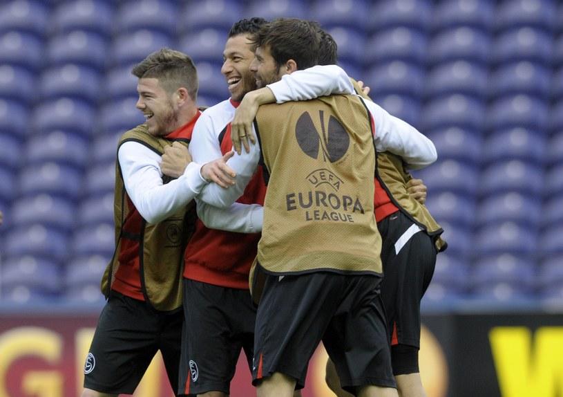 Piłkarze Sevilli na treningu w Porto /AFP