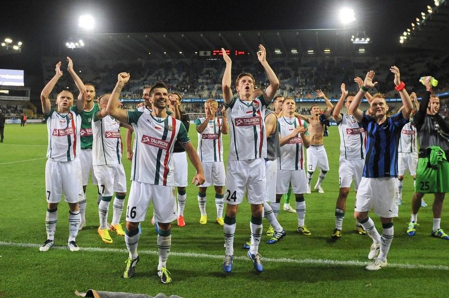 Piłkarze Śląska Wrocław fetowali w Belgii po awansie do IV rundzie eliminacji LE /LAURENT DUBRULE    /PAP/EPA