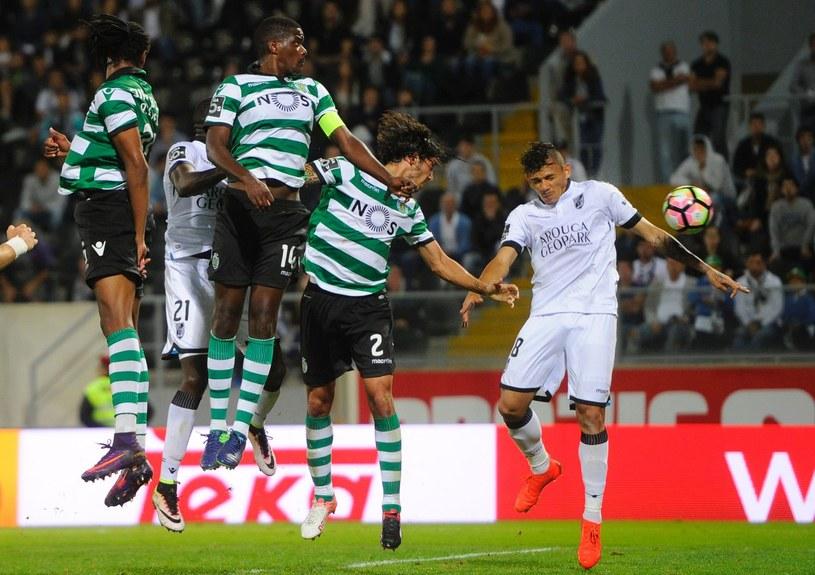 Piłkarze Sportingu w ligowym meczu z Vitoria FC /AFP