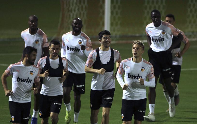 Piłkarze Valencii podczas treningu /East News