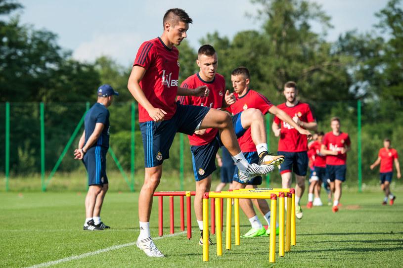 Piłkarze Wisły Kraków podczas treningu w Myślenicach /Jakub Gruca  /Newspix