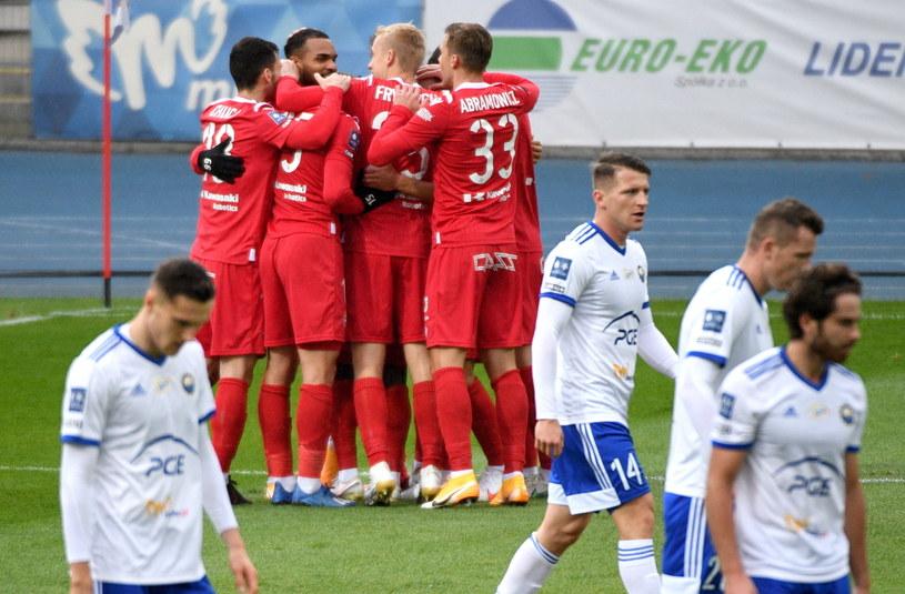 Piłkarze Wisły mogą się cieszyć z efektownego zwycięstwa nad Stalą /PAP/Darek Delmanowicz /PAP