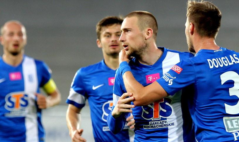 Piłkarzom Lecha wystarczy jeden punkt, żeby świętować mistrzostwo Polski /Fot. Andrzej Grygiel /PAP
